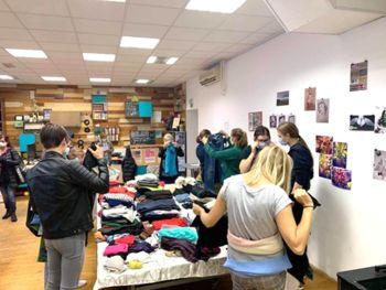 Okolju prijazno ''nakupovanje'' oblačil v Mladincu