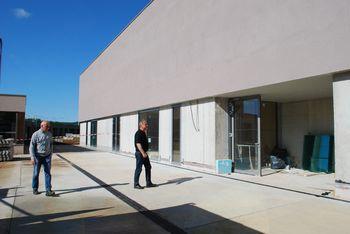 Gradnja športne dvorane pri mirnopeški šoli se zaključuje