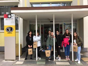 Učenke Osnovne šole Vransko-Tabor nagrajenke natečaja Ustvarjajmo v tujem jeziku