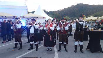 Oktoberfesti z Mengeško godbo