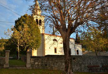 Obnovljena cerkev sv. Mihaela v Lipi na Krasu