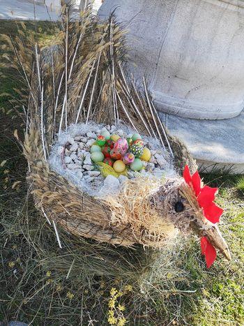 Velikonočna  okrasitev v Kostanjevici na Krasu