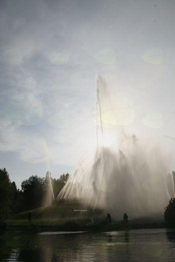 Ob Gradiškem jezeru na ogled  mogočna fontana