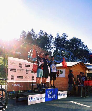 Zaključek tekmovalne sezone v spustu z gorskimi kolesi ŠKTD Avče
