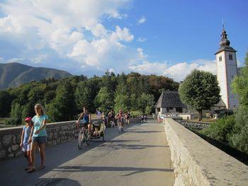 Znameniti kamniti Janezov most na Ribčevem Lazu naj bi bil saniran še pred poletno turistični sezono