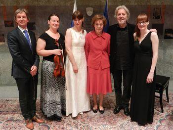Recital profesoric glasbene šole v državnem zboru ob dnevu Primoža Trubarja