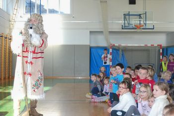 Dedek Mraz vabi na veselo prireditev