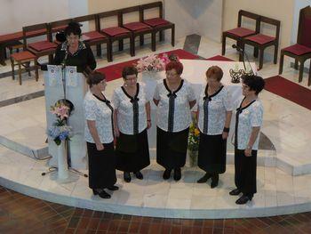 """8. srečanje ljudskih pevcev """"Zapojmo v čast Sv. družini"""""""