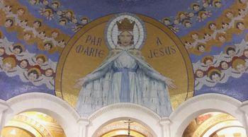 20. stoletje zaznamovano z Marijinimi prikazovanji