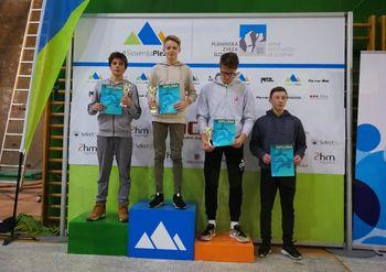 Bine Meke državni prvak v balvanskem plezanju