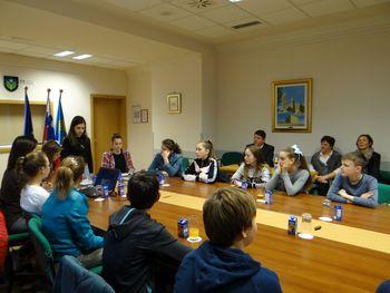 Zasedal je Otroški parlament Osnovne šole Ivana Roba