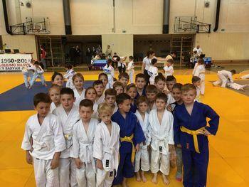 Mladi judoisti Judo kluba Komenda z odprtega državnega prvenstva odnesli kar 12 kolajn