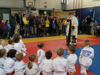 Množična udeležba judoistov Judo kluba Komenda na tekmovanju Kagami Biraki