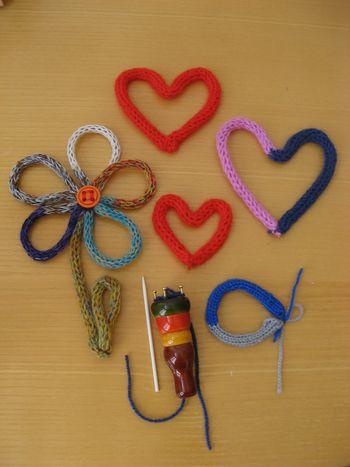 Družinska nedelja: delavnica pletenja zapestnic