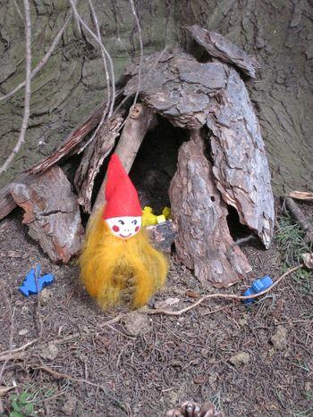 Gozdne ustvarjalnice: palčki skrivnostni prebivalci gozda