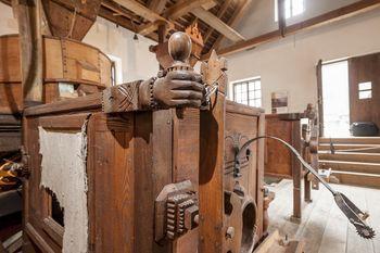 Tehniški muzej Slovenije odprt le za posamezne obiskovalce