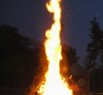 Velika požarna ogroženost naravnega okolja na območju celotne države
