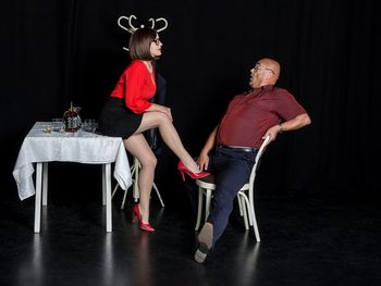 Duokomedija za odrasle:Razočarana gospodinja pri seksologu