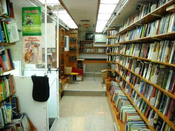 Potujoča knjižnica v Gornjih Petrovcih