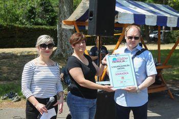 """Občina Sodražica prejela priznanje za """"Turistom 3. najprijaznejša občina"""""""