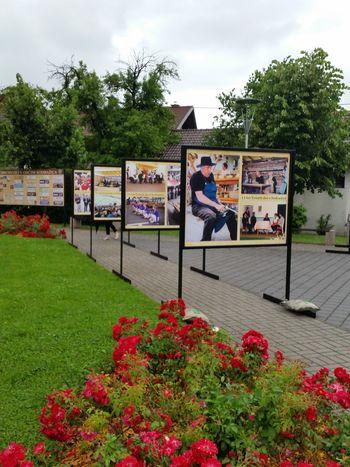 ZUNANJA RAZSTAVA FOTOGRAFIJ OB 15 LETNICI TRŽNIH DNI V SODRAŽICI