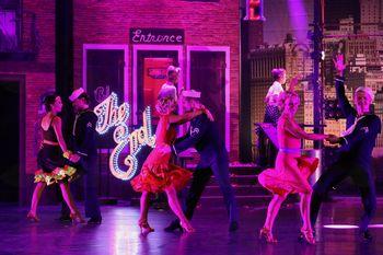 Več luči, večji blišč, še večji boom! - Glamurozni šov Dance Amore se seli na Kongresni trg!