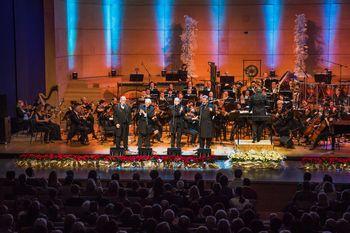 New Swing Quartet s prazničnim gospelom očarali dvakrat razprodano Gallusovo dvorano!
