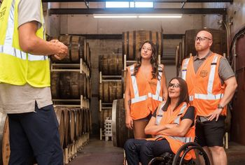 Kako dobro so delavci invalidi zaščiteni pred odpovedjo pogodbe o zaposlitvi?