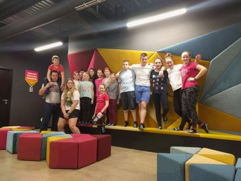 Gasilska mladina PGD MOste na trampolinih v Woop-u