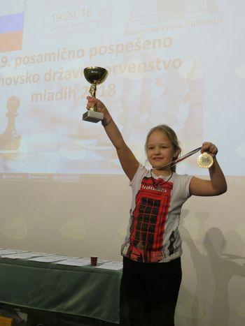 INTI MAČEK državna prvakinja v pospešenem šahu