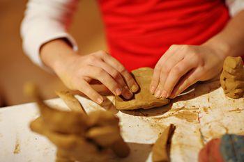 Tečaj oblikovanja gline za otroke in odrasle