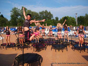 WORLD JUMPING | Zunanji trening na kopališču Laguna