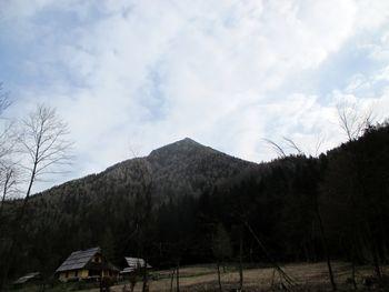 Planinski pohod na Goli vrh 25.10.2020 - odpovedano koronavirus