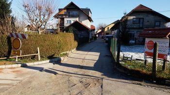 Izvedena obnovitvena dela vodovoda in ceste na Lavričevi ulici