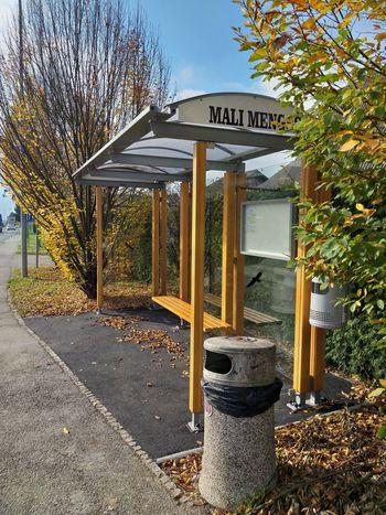 V občini Mengeš zamenjano še zadnje avtobusno postajališče, postajališče na Slovenski cesti nasproti bencinske črpalke Petrol