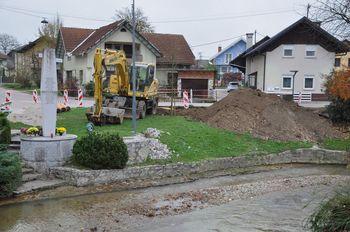 V novembru začeli z investicijsko vzdrževalnimi deli na kanalizacijskem črpališču pri spomeniku v Loki pri Mengšu
