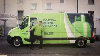 Brezplačna dostava zelene jeklenke