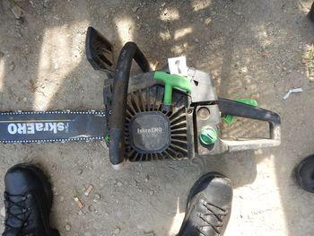 Poglejte fotografije motornih žag in če so vaše, se oglasite na Policijski postaji Lendava