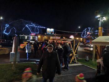 Na Novoletnem bazarju v Radencih dišalo po vafljih in kuhanih klobasah