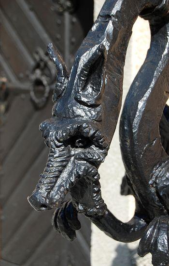 Simbolika zmajev in kroparski kovani zmaji