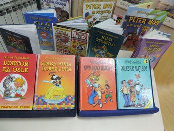 Primož Suhodolčan nasmejal mlade bralce v knjižnici Trebnje