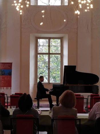 Klavirski koncert z Godalnim orkestrom FJK