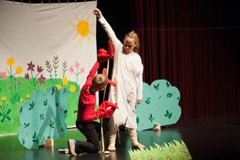 Mladi oder, območno srečanje otroških gledaliških in lutkovnih skupin