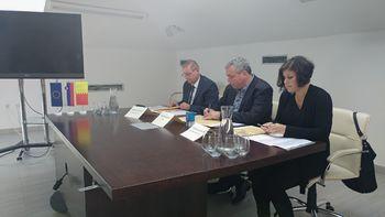 """Podpis dogovora o vključitvi Občine Miren-Kostanjevica v projekt """"Občina po meri invalidov"""""""