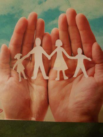 Naš gost: Ali je družina res naša največja vrednota?