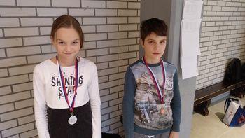 Dve medalji za mlade preddvorske šahiste na gorenjskem kadetskem prvenstvu v šahu