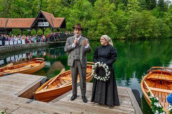 Po jezeru Črnava so spet zapluli čolni