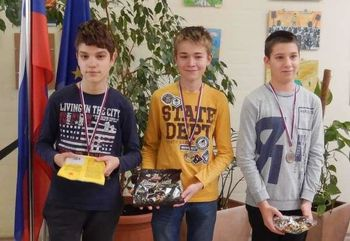 Fantje iz OŠ Preddvor so se izkazali na osnovnošolskem prvenstvu Gorenjske v šahu