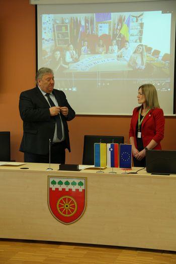 Ukrajinci na ogledu dobre prakse v Logatcu