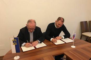 Nogometno društvo Primorje Ajdovščina in Univerza v Novi Gorici podpisala dogovor o sodelovanju